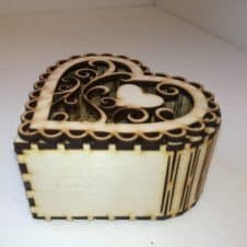 ékszertartó doboz -szíves-fa wood- heart jewelery box
