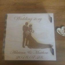 wedding story- esküvőnk története -pendrive doboz- box-tartó- egyedi- gravírozással